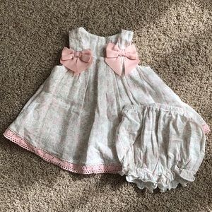 Soft pastel dress with bows size 3-6 month